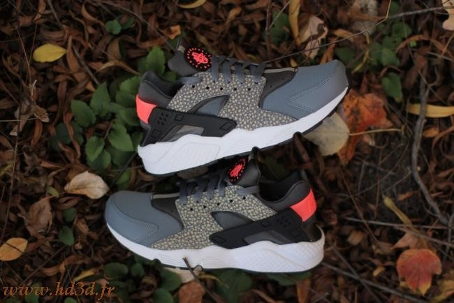 Air Huarache Safari