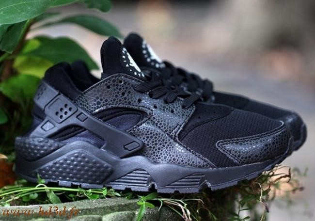 Nike Air Huarache Safari