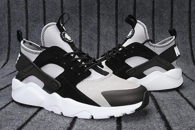official photos 523eb 31908 Chaussure Nike Huarache Gris