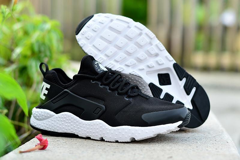 chaussure nike urh prix