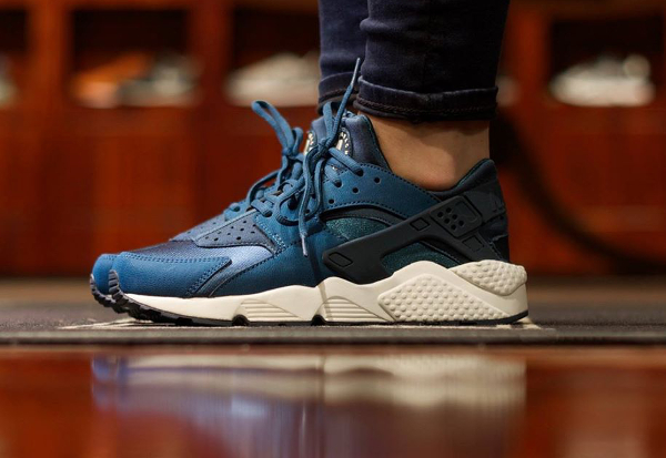 hot product get online good out x shopping nike air huarache blanc and bleu ca471 c88b5