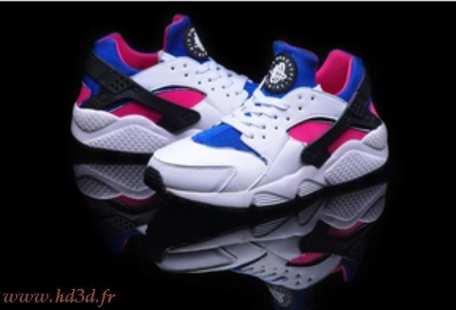 64a69a2bc6cffd Chaussures Nike Huarache Femme Pas Cher hd3d.fr